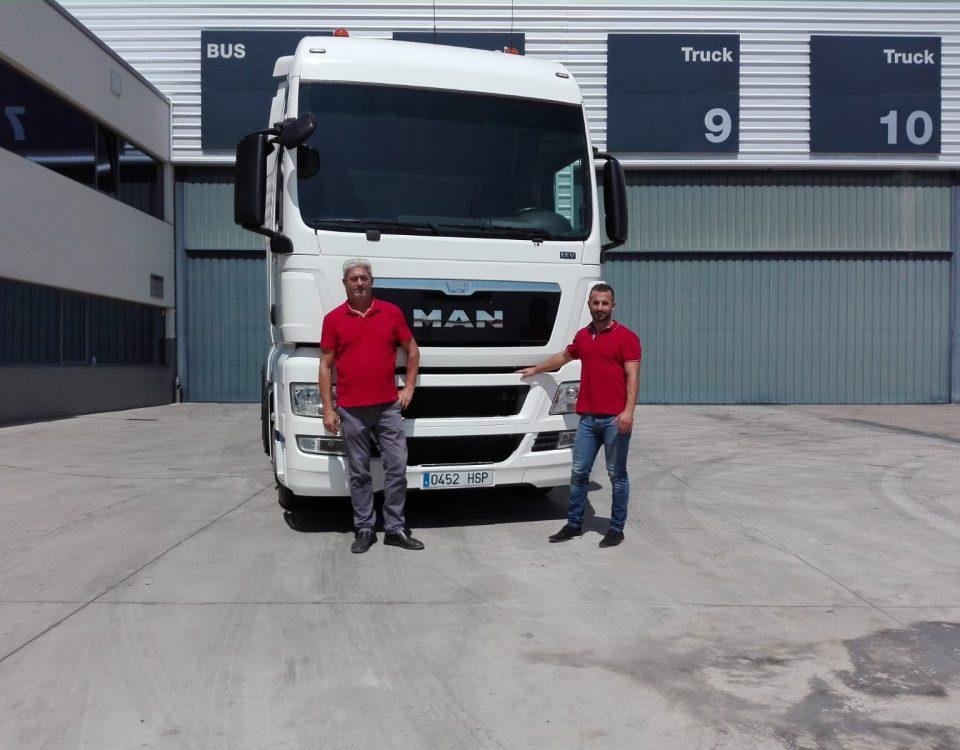 Entrega camión MAN a Juan Carlos SCAORTIZ 960x750 - Entrega MAN TGX 480 XXL.  Euro 5. en SCAORTIZ